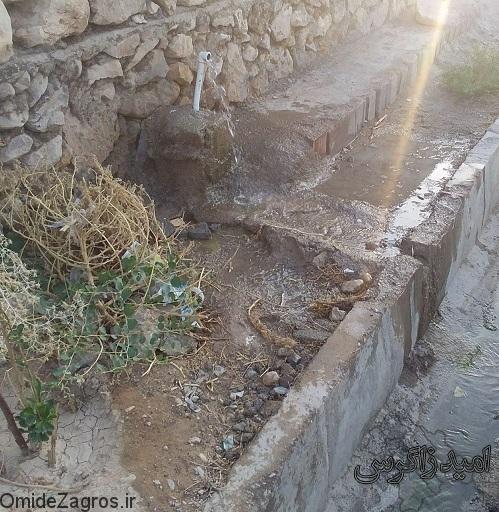 هدر روی آب در قبرستان باشت و بی خیالی مسئولان + (تصاویر)