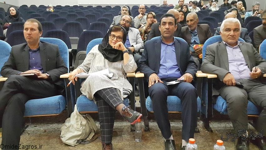 نشست هنرمندان و خبرنگاران کهگیلویه و بویراحمد با معاون صندوق حمایت از هنرمندان کشور+ تصاویر