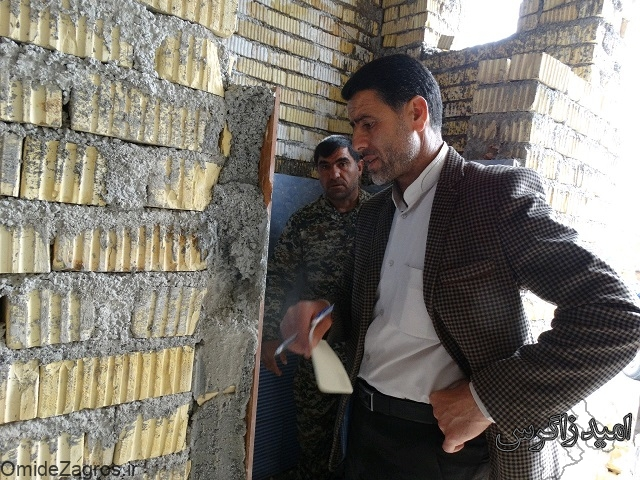 بازدید جانشین ناحیه مقاومت بسیج شهرستان بویراحمد از روند ساخت منازل مددجویان کمیته امداد در لوداب و کبکیان (+ تصاویر)