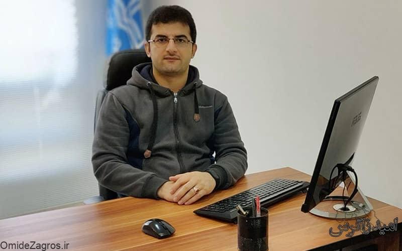 اظهارات دانشجوی دکتری کامپیوتر دانشگاه آزاد یاسوج درباره بازار کار/برنامه نویسی یک شغل درآمد زا است/نباید دانشگاه را مقصر بدانیم